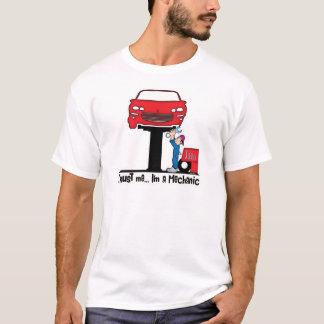 Camiseta Confíe en que yo es mecánico de automóviles