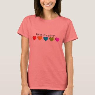 Camiseta Corazones coloridos del médico de la enfermera