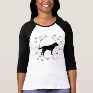 Camiseta Corazones y Pawprints del labrador retriever