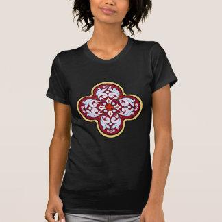 Camiseta cruz del esmalte