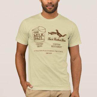 Camiseta Cubo de leche - granja de la pluma de Fin'n,