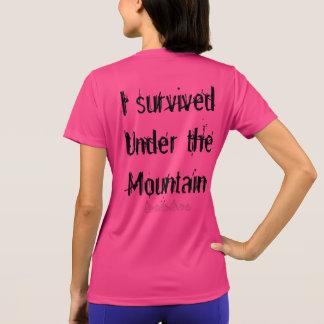 Camiseta #Cursebreaker/I sobrevivido debajo de la montaña