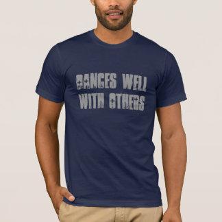 Camiseta Danzas bien con otras