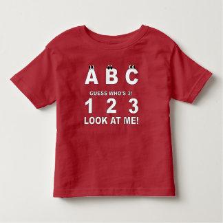 Camiseta De Bebé ABC mira quién es la impresión 3