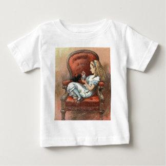 Camiseta De Bebé Alicia y su gatito