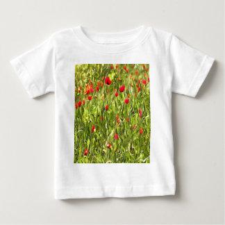 Camiseta De Bebé Amapolas hipnóticas surrealistas