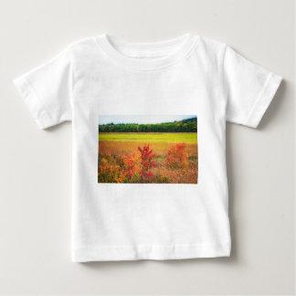 Camiseta De Bebé Árboles del otoño en los grandes prados