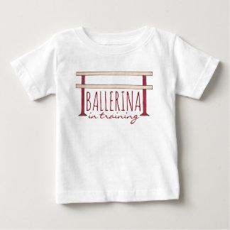 Camiseta De Bebé Bailarina en bailarín de la danza de la barra del