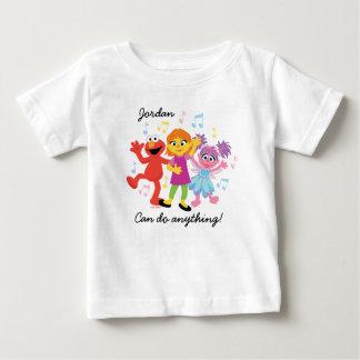 Camiseta De Bebé Baile del Sesame Street el   Julia, de Elmo y de