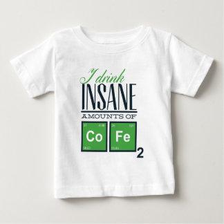 Camiseta De Bebé Bebo cantidades insanas de código, diseño del