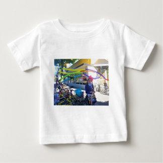 Camiseta De Bebé Bicis, globos y brews