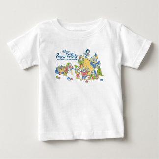 Camiseta De Bebé Blanco como la nieve y los siete enanos que toman