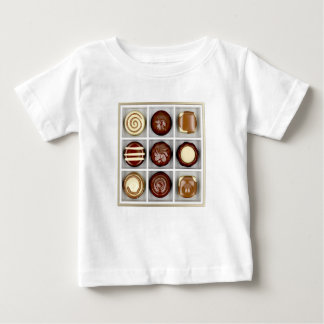 Camiseta De Bebé Caja con los caramelos de chocolate