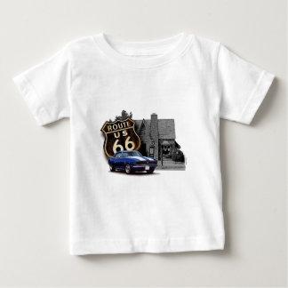 Camiseta De Bebé Camaro en la estación de servicio