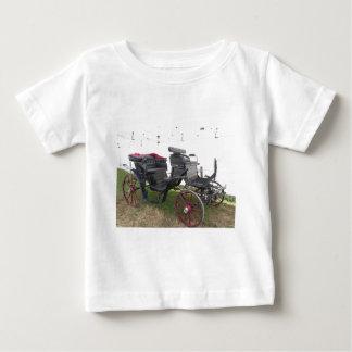 Camiseta De Bebé Carro pasado de moda del caballo en hierba verde