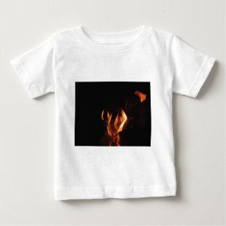 Camiseta De Bebé Chimenea ardiente con las llamas del fuego