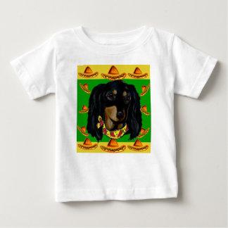 Camiseta De Bebé Cinco de Mayo Doxie negro de pelo largo