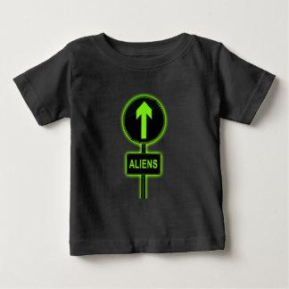 Camiseta De Bebé Concepto de los extranjeros