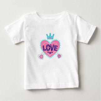 Camiseta De Bebé Corona y corazones del amor