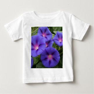 Camiseta De Bebé Correhuelas hermosas en la floración