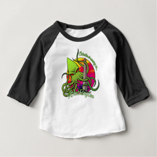 Camiseta De Bebé Cthulhu que come el obelisco en la C.C. de