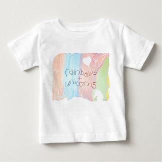 Camiseta De Bebé Cuento de hadas encantado del arco iris y del