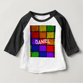 CAMISETA DE BEBÉ DANIEL