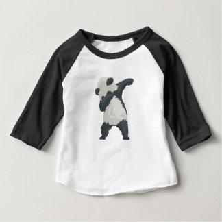 Camiseta De Bebé Danza de Dabber de la panda del lenguado