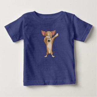 Camiseta De Bebé Danza linda de Dabber de la chihuahua del lenguado