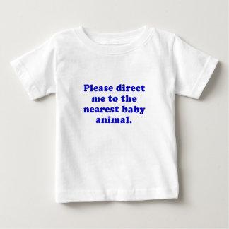 Camiseta De Bebé Diríjame por favor al animal más cercano del bebé