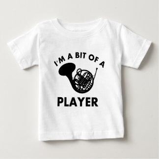 Camiseta De Bebé diseños del instrumento musical de las trompas