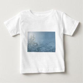 Camiseta De Bebé El nevar del azul del árbol de navidad
