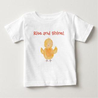 Camiseta De Bebé El pollo del polluelo del bebé de la subida y del