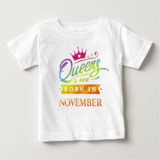 Camiseta De Bebé El Queens es en noviembre cumpleaños nacido.