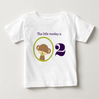Camiseta De Bebé Este pequeño cumpleaños del mono