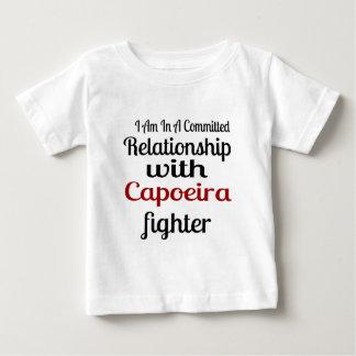 Camiseta De Bebé Estoy en una relación confiada con el higo de