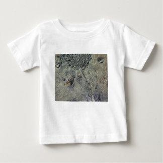 Camiseta De Bebé Fondo del mar rocoso a través de la agua de mar