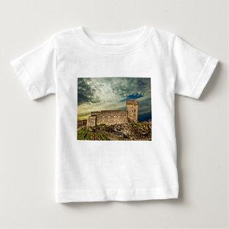 Camiseta De Bebé Fuerte en la colina