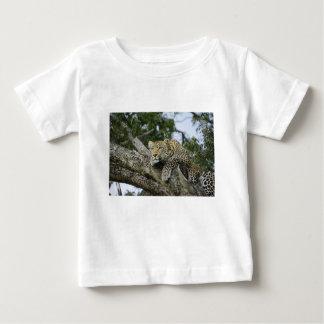 Camiseta De Bebé Gato salvaje animal del safari de África del árbol