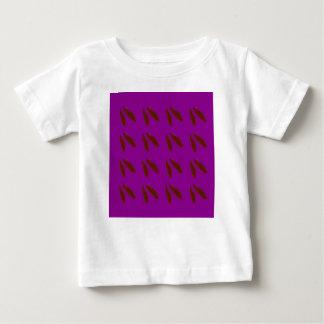 Camiseta De Bebé Habas de la púrpura de Brown. Habas del diseño