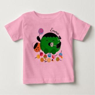Camiseta De Bebé Halloween adaptable - Frankenstein y caramelos