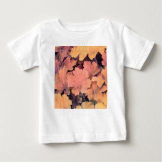 Camiseta De Bebé hojas del ornamental en el jardín
