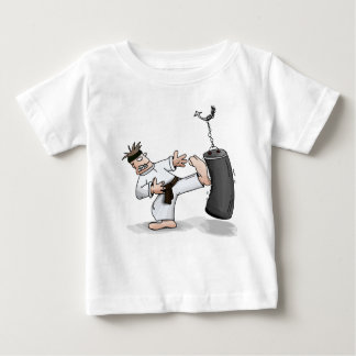 Camiseta De Bebé Hombre del karate de la correa negra que golpea un