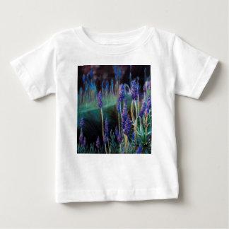 Camiseta De Bebé Jardín por la charca en el crepúsculo