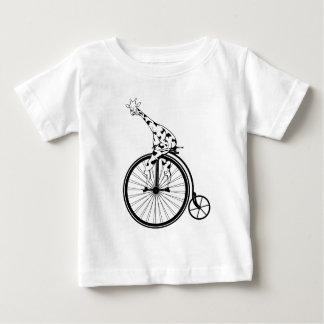 Camiseta De Bebé Jirafa blanco y negro que monta una bici