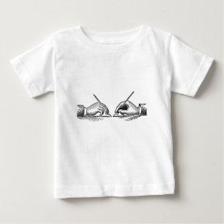 Camiseta De Bebé La pluma es más poderosa que las manos del