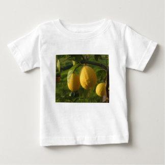 Camiseta De Bebé Limones amarillos que crecen en el árbol en la