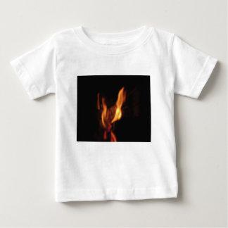 Camiseta De Bebé Llamas borrosas en una chimenea ardiente en negro