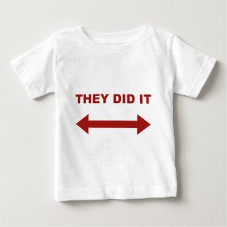 Camiseta De Bebé Lo hicieron