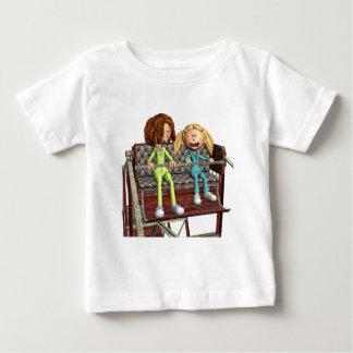 Camiseta De Bebé Madre e hija del dibujo animado en una noria